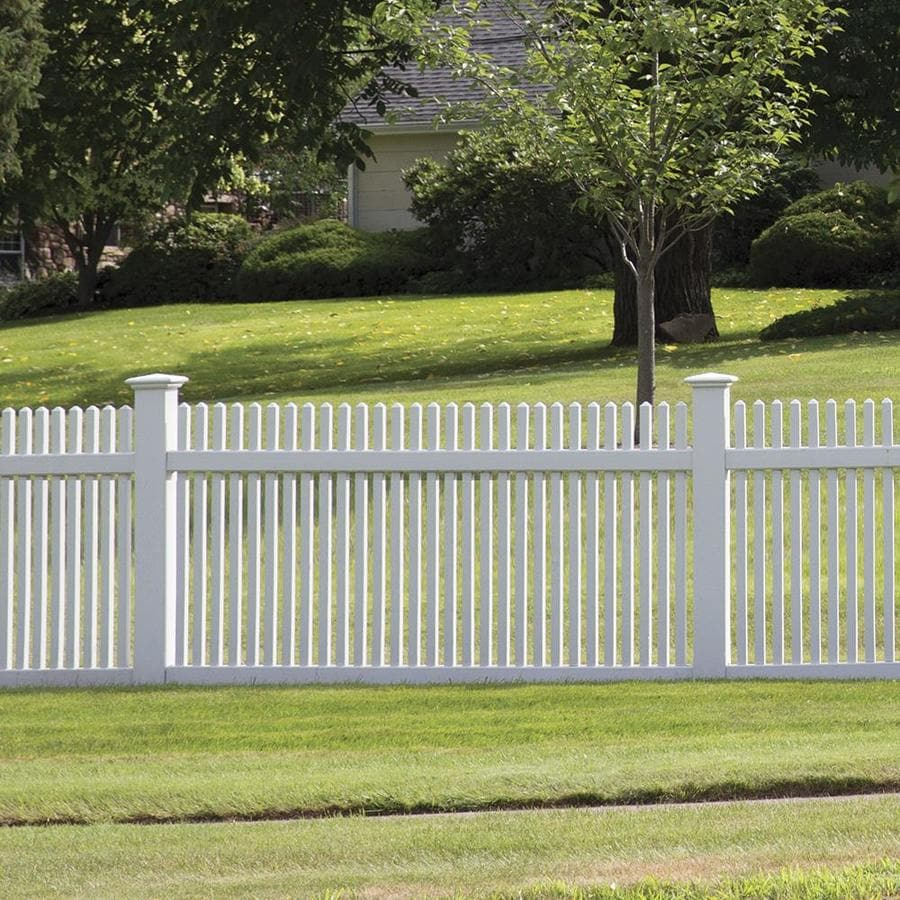 Freedom Ready-To-Assemble Keswick White Vinyl Fence Panel (Common: 8-ft x 4-ft; Actual: 7.56-ft x 4-ft)