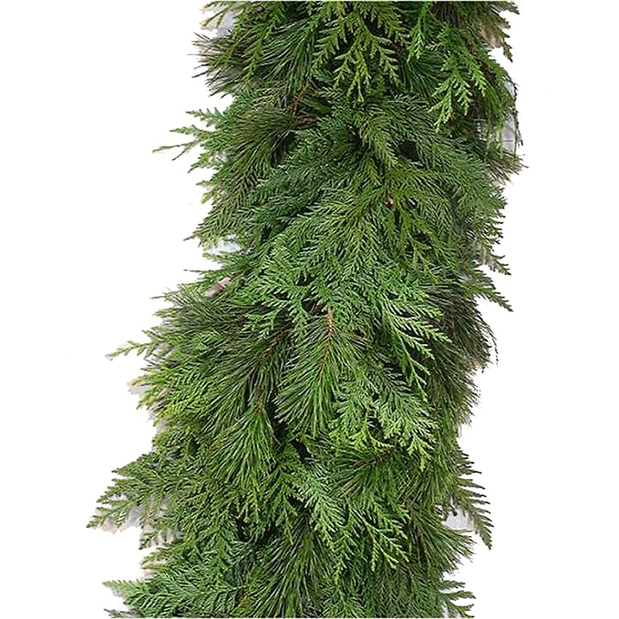 15-ft Fresh-Cut Cedar Christmas Garland