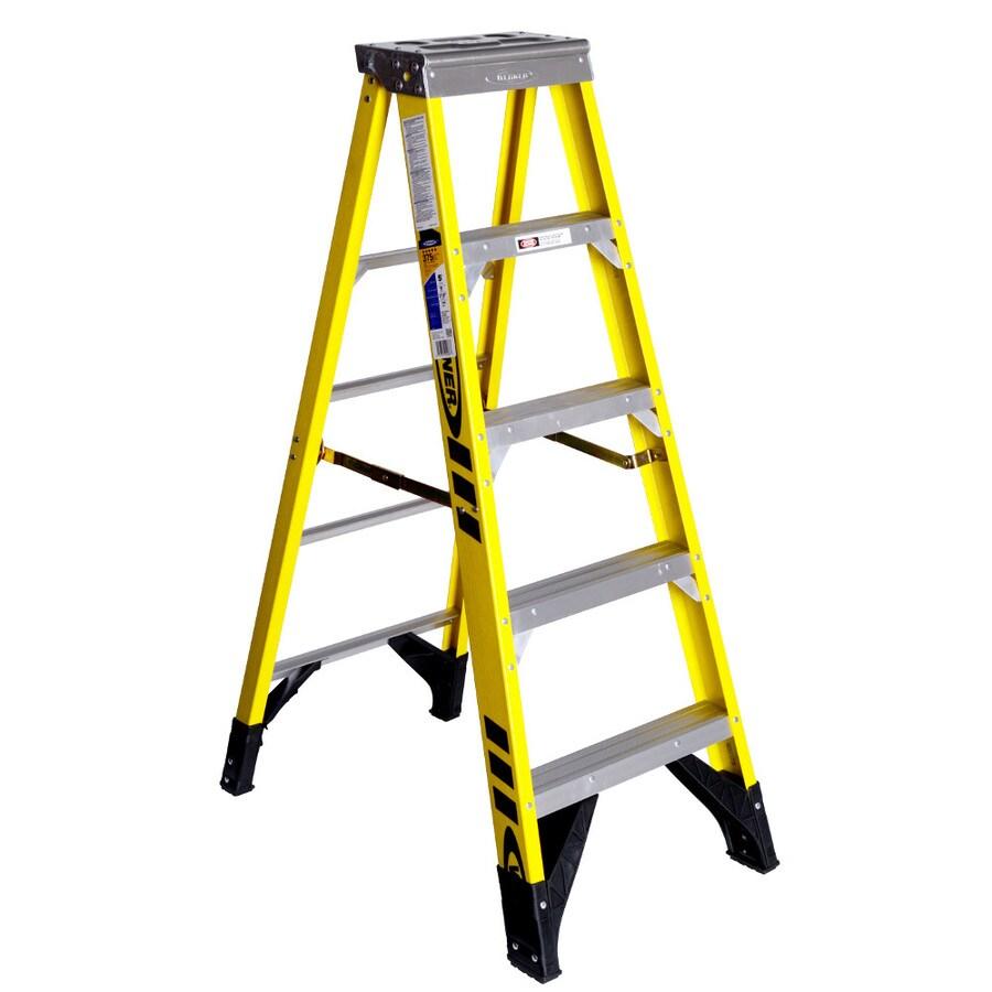 Werner 5-ft Fiberglass 375-lb Type IAA Step Ladder
