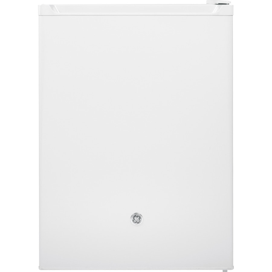 GE 5.6-cu ft Compact Refrigerator with Freezer Compartment (White) ENERGY STAR
