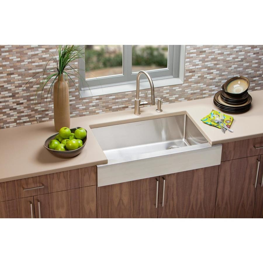 Elkay Crosstown 18.5-in x 31.5-in Polished Satin Single-Basin Stainless Steel Apron Front/Farmhouse Residential Kitchen Sink