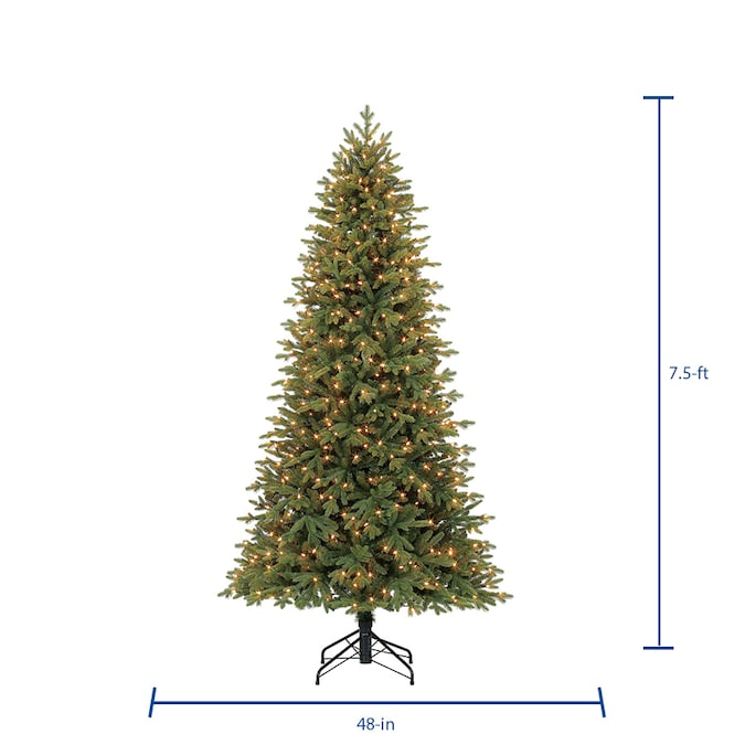 Holiday Living 7 5 Ft Norway Spruce Pre Lit Slim Artificial Christmas Tree With 500 Constant White Clear Incandescent Lights In The Artificial Christmas Trees Department At Lowes Com