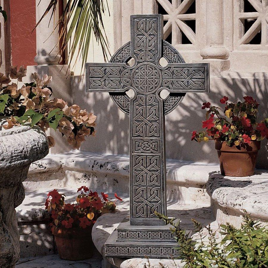 Design Toscano Bannockburn Celtic Cross 28-in Religion Garden Statue