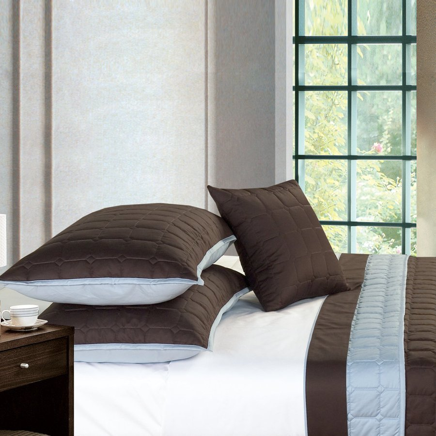 North Home Bedding Camelot 3-Piece Chocolate and Blue Queen Quilt Set