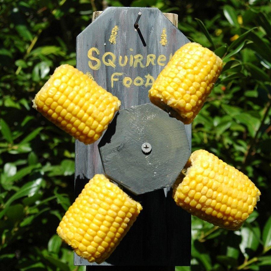 Wilderness Series Products 4-Cobb Wood Corn Cob Feeder