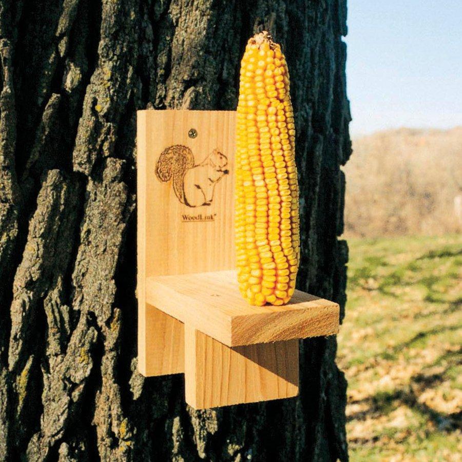 WoodLink Squirrel Ear 1-Cobb Wood Corn Cob Feeder
