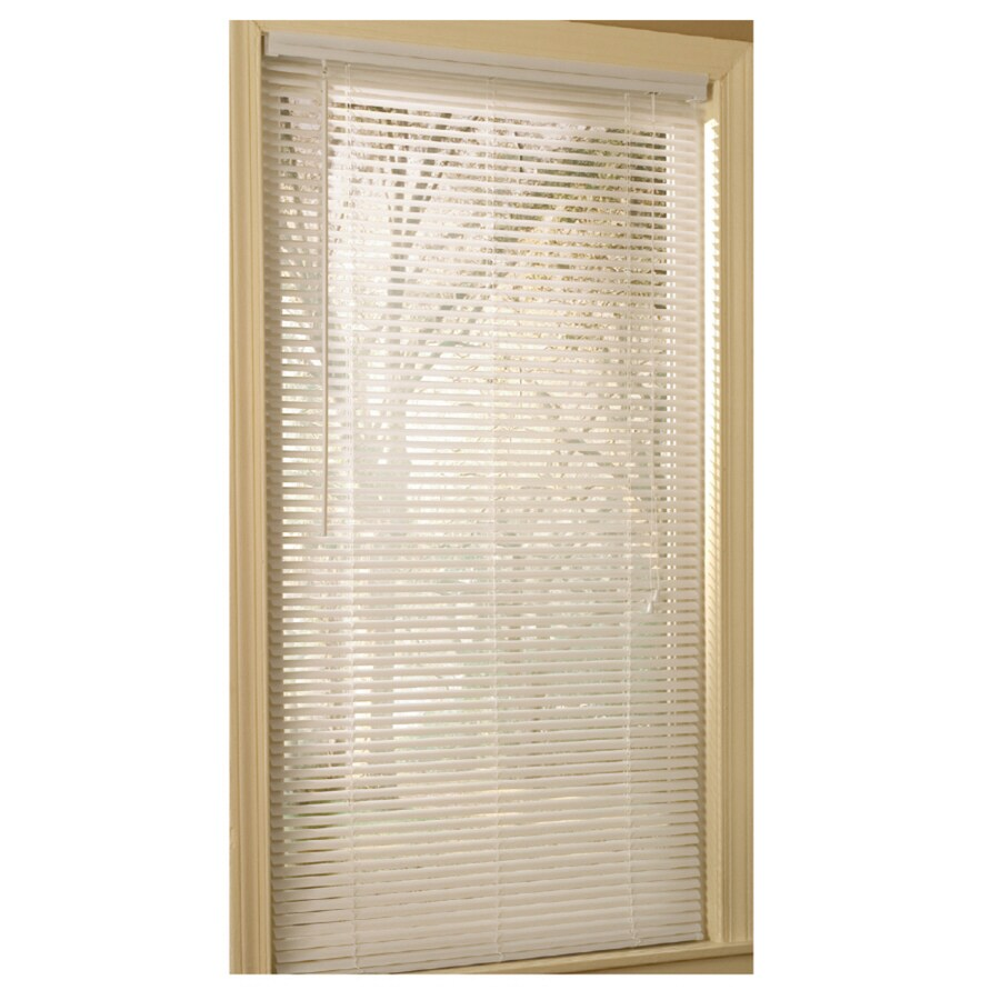 Project Source 1-in White Vinyl Light Filtering Mini-Blinds (Common 39-in; Actual: 38.5-in x 64-in)