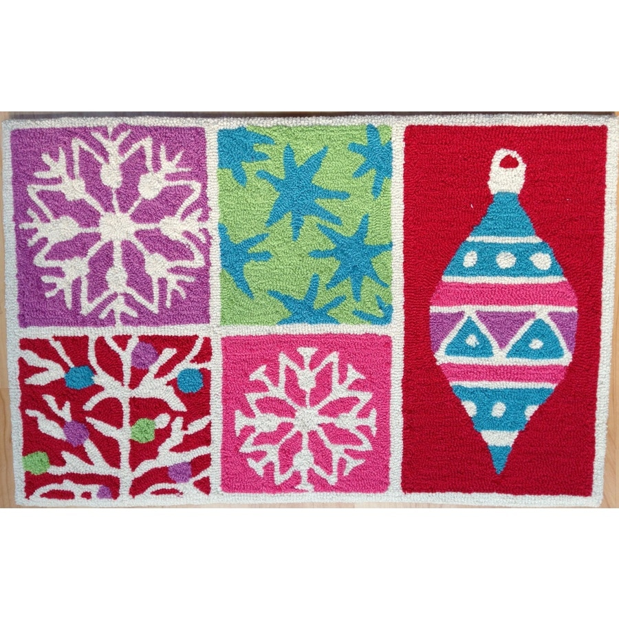 Holiday Living Rectangular Indoor Hand-Hooked Holiday Throw Rug (Common: 2 x 3; Actual: 20-in W x 31-in L)