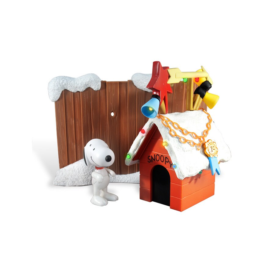 Peanuts Lighted Muscial Plastic Snoopy Dog House Freestanding Christmas Decoration