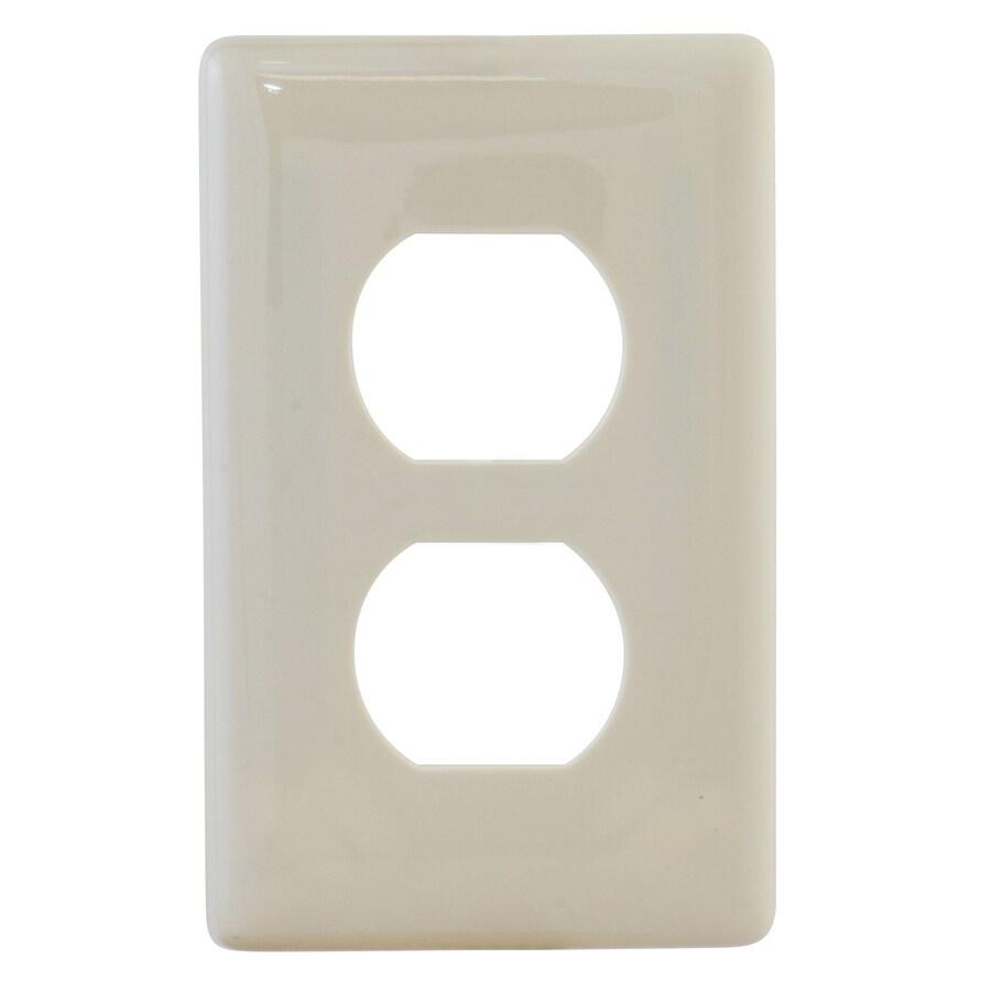 Hubbell 1-Gang Light Almond Single Duplex Wall Plate