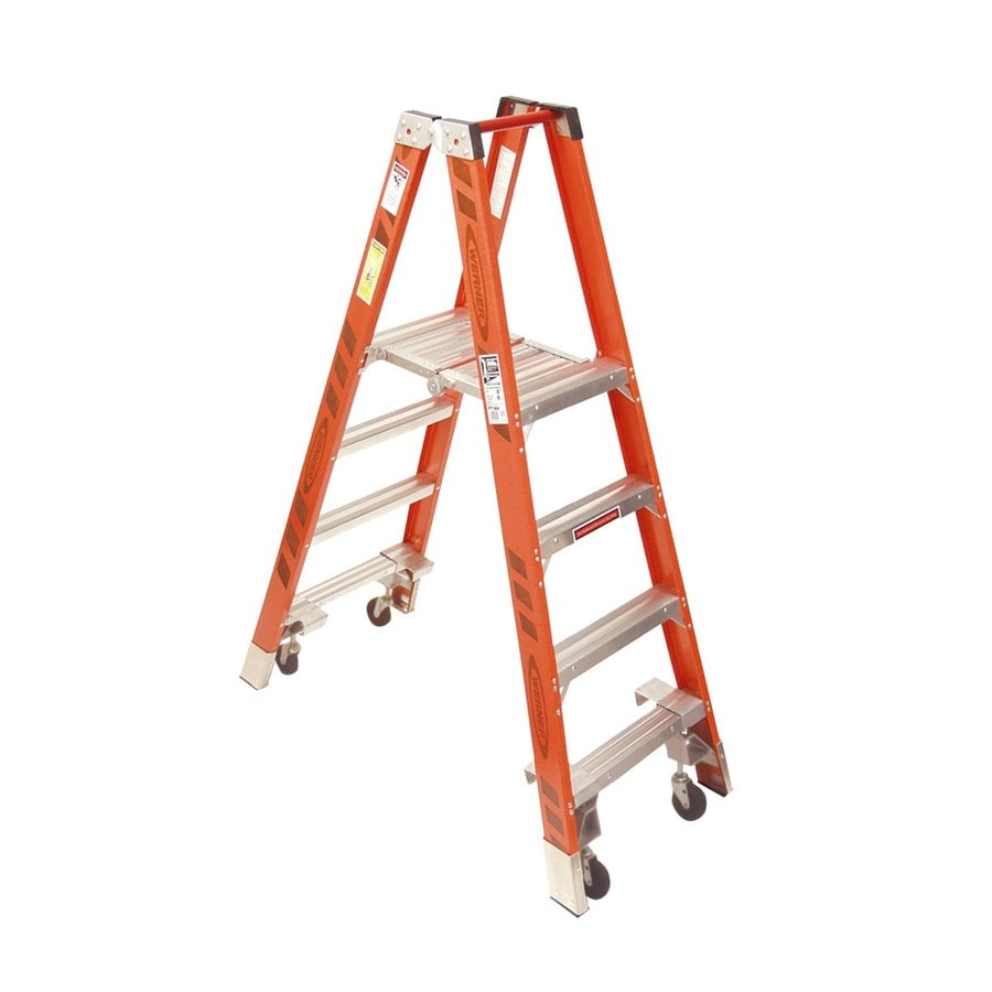 Werner 4-ft Fiberglass 300-lb Type IA Stocker's Ladder
