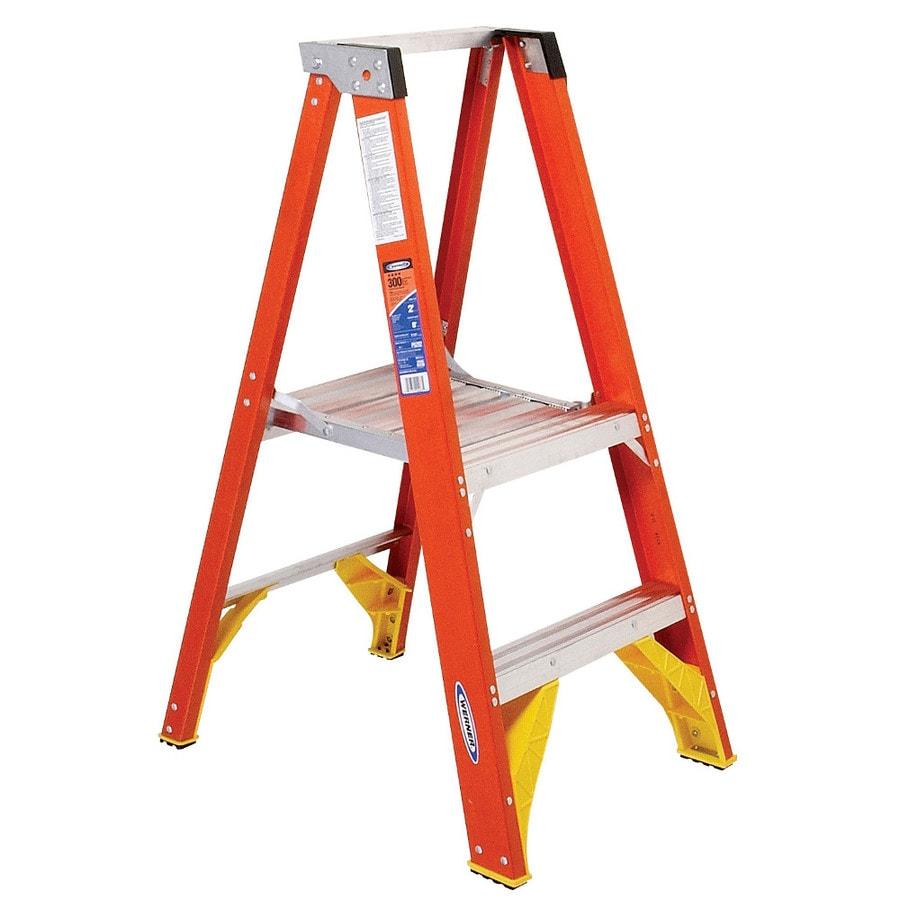 Werner 2-ft Fiberglass 300-lb Type IA Platform Ladder