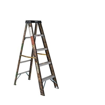 Werner Real Tree Camouflage 5-ft Fiberglass Type 2 Capacity Step Ladder
