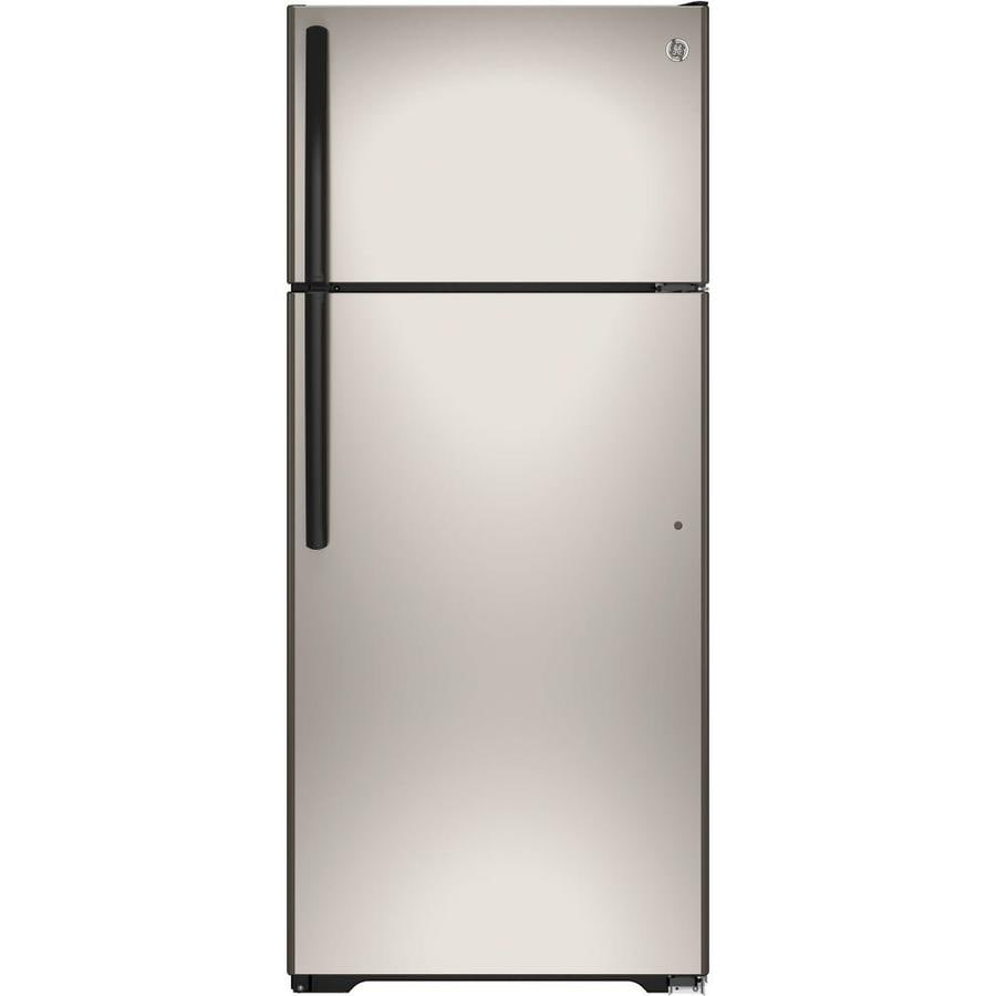 GE 17.5-cu ft Top-Freezer Refrigerator with Single Ice Maker (Silver) ENERGY STAR