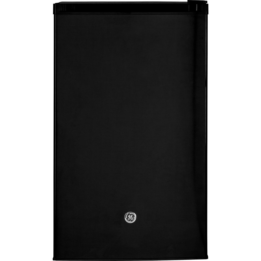 GE 4.4-cu ft Freestanding Compact Refrigerator with Freezer Compartment (Black) ENERGY STAR