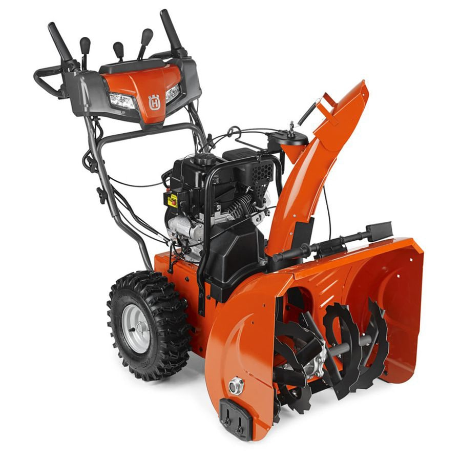 Husqvarna ST has been developed for homeowners who need a high-performing snow blower to clear snow from large garage driveways and paths. Adjustable skid shoes allow the machine to work regardless of surface conditions. An efficient two-stage system delivers plenty of throwing capacity, and a friction-disc transmission ensures smooth operation.