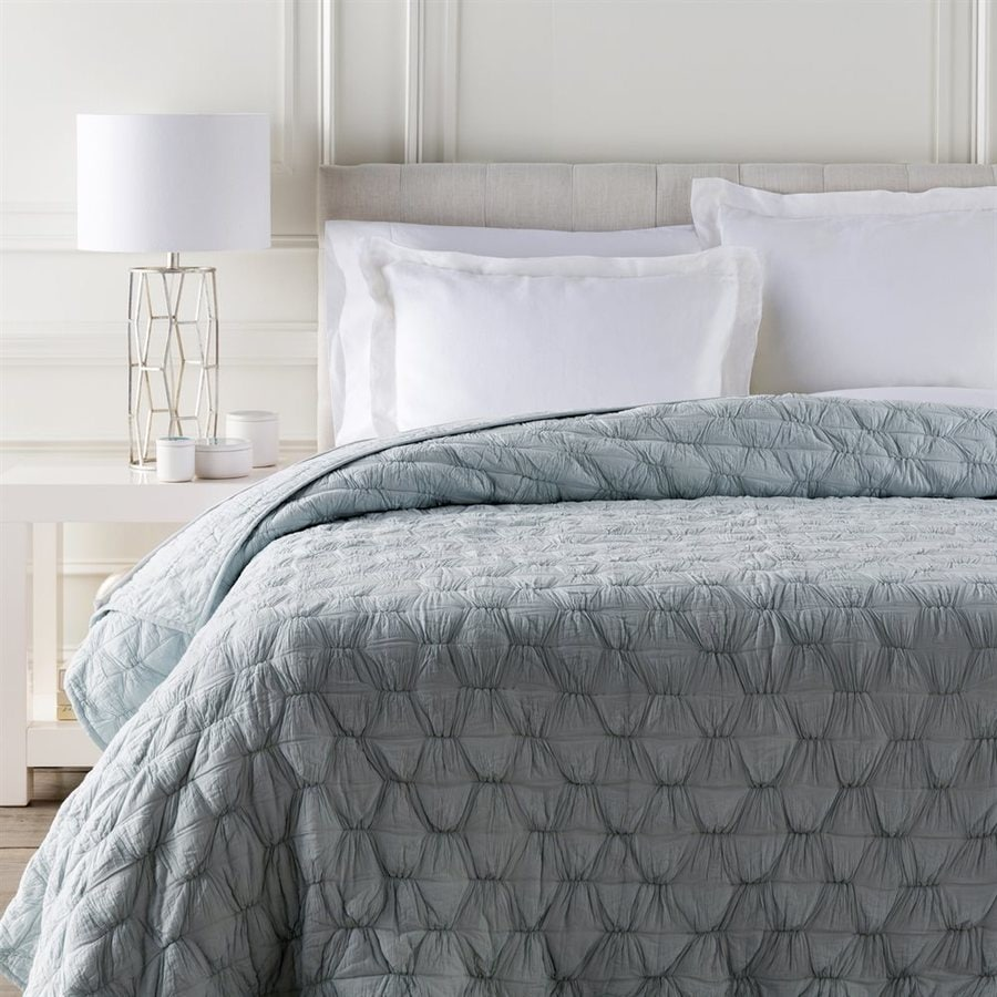 Surya Melissa Sky Blue Twin Quilt