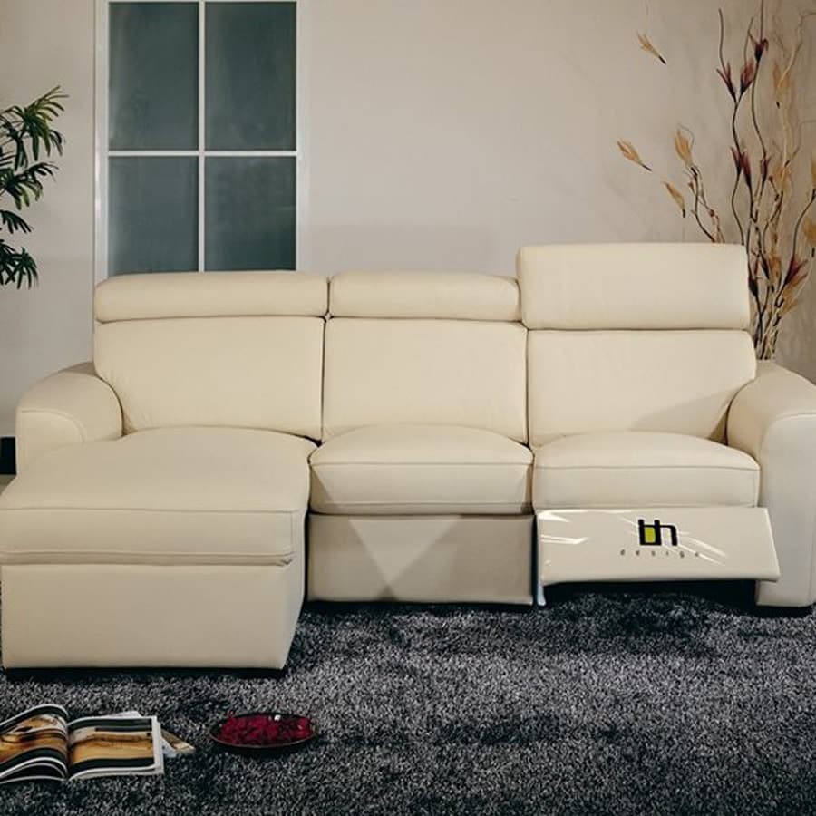 Beverly Hills Furniture Mica Casual Beige Reclining Sectional
