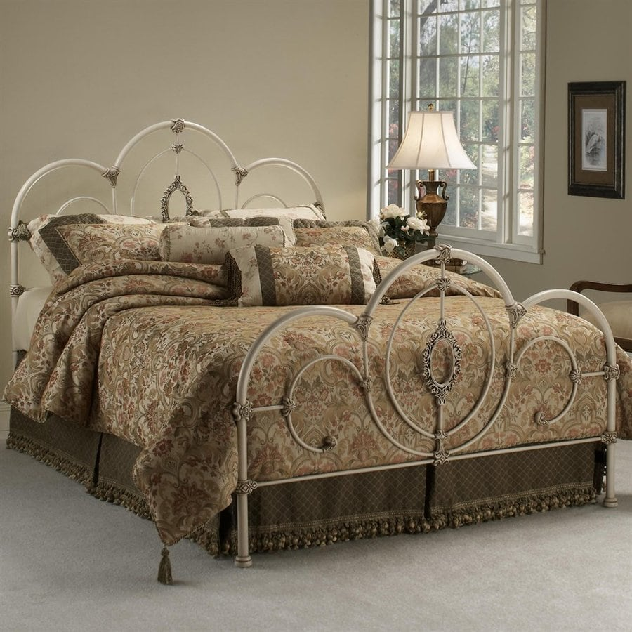 Hillsdale Furniture Victoria Antique White Queen Panel Bed