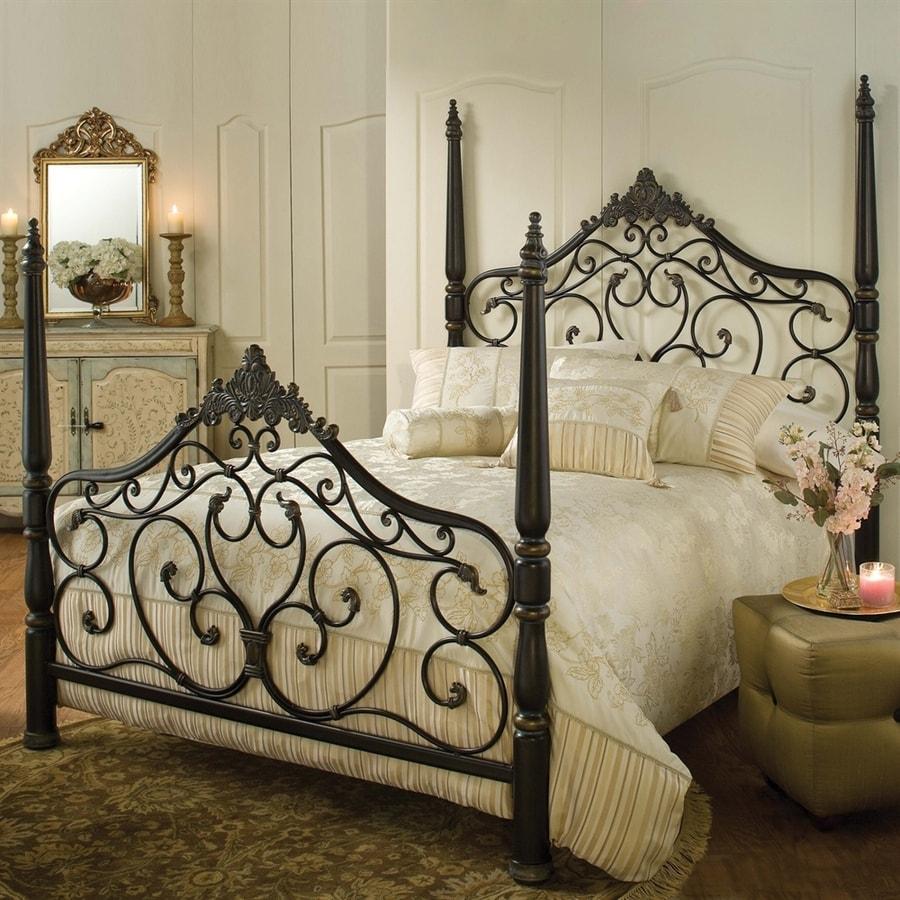 Hillsdale Furniture Parkwood Black Gold Queen 4-Poster Bed