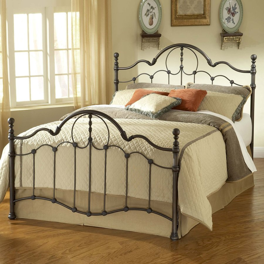 Hillsdale Furniture Venetian Old Bronze King 4-Poster Bed