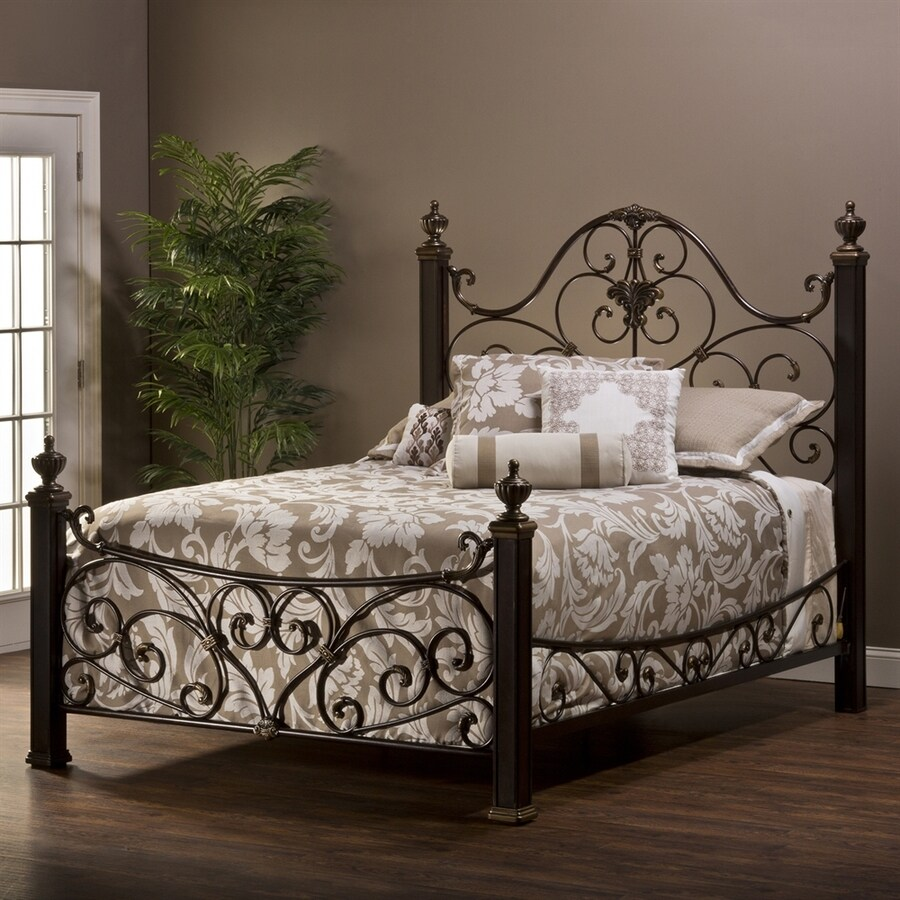 Hillsdale Furniture Mikelson Aged Antique Gold Queen 4-Poster Bed