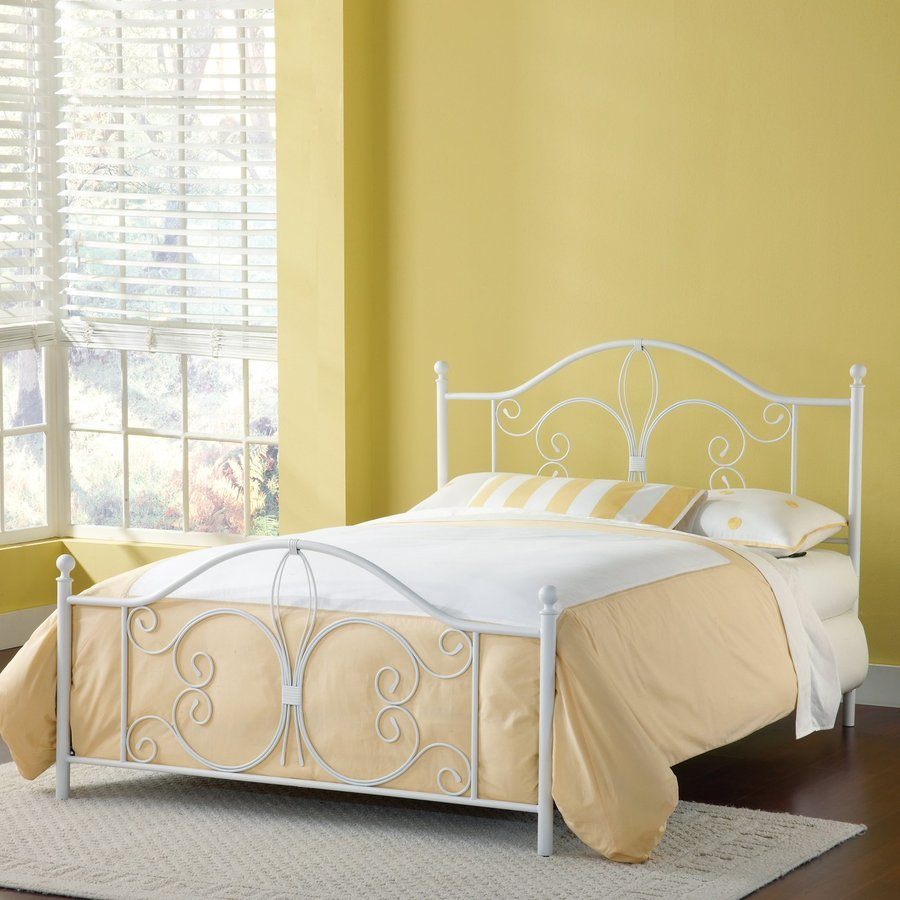 Hillsdale Furniture Ruby Textured White Full 4-Poster Bed