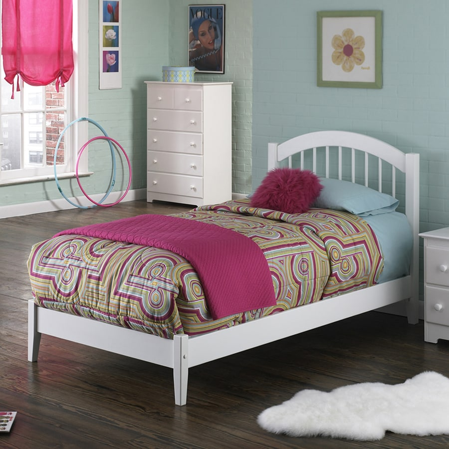 Atlantic Furniture Windsor White Queen Platform Bed