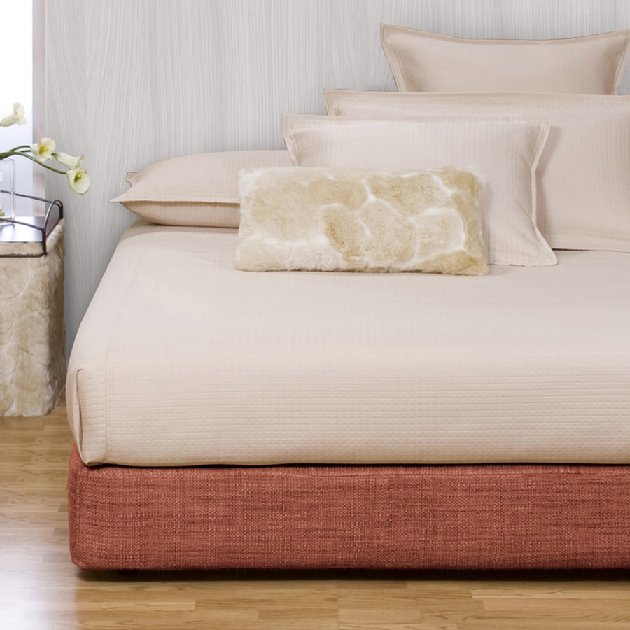 Tyler Dillon Coco Coral Full Platform Bed