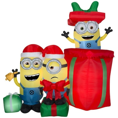 Lowes Christmas Inflatables.Gemmy Airblown Minions With Presents 7 Foot Christmas