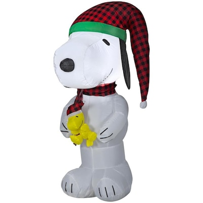 Snoopy And Woodstock Christmas Inflatable.Peanuts 4 Ft Lighted Snoopy Christmas Inflatable At Lowes Com