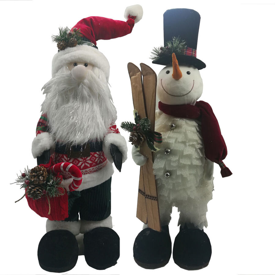 Fraser Hill Farm 30 In Snowman And 32 In Santa 2 Piece Plush Set Festive Indoor Christmas Decoration In The Novelty Christmas Decorations Department At Lowes Com