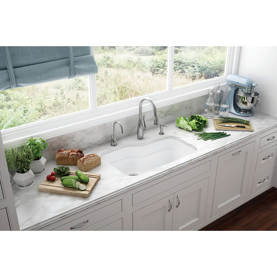 Franke Orca 19.5-in x 29.875-in White Single-Basin Fireclay Undermount Residential Kitchen Sink