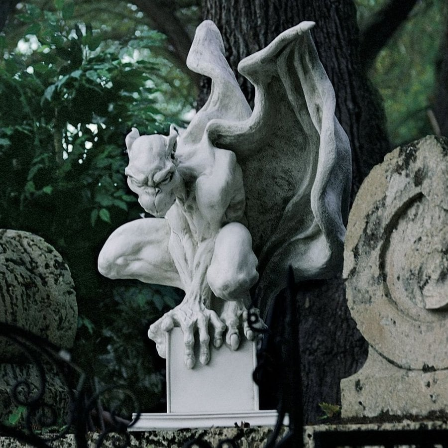 Design Toscano Draga The Gargoyle Vampire 20-in Garden Statue