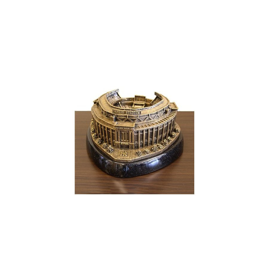 Wild Sports New York Yankees Alabaster Statue