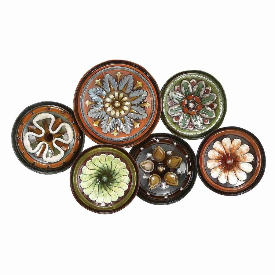Woodland Imports 31-in W x 19-in H Frameless Metal Round Plates 3D Wall Art