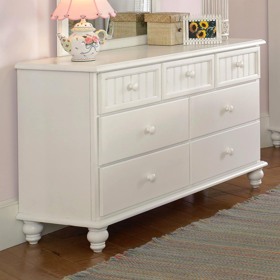 Hillsdale Furniture Westfield Off White Rubberwood 4 Drawer Standard  (Horizontal) Dresser