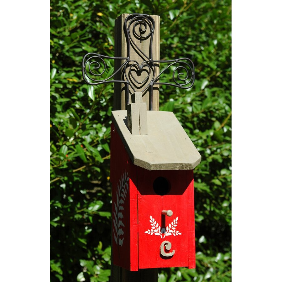 Wilderness Series Products 10-in W x 21-in H x 9-in D Red/Tan Bird House
