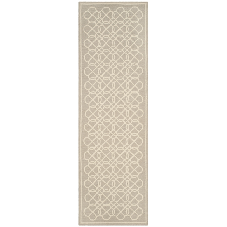 Safavieh Chelsea Kensington Tan/Ivory Indoor Handcrafted Lodge Runner (Common: 2 x 8; Actual: 2.5-ft W x 8-ft L)
