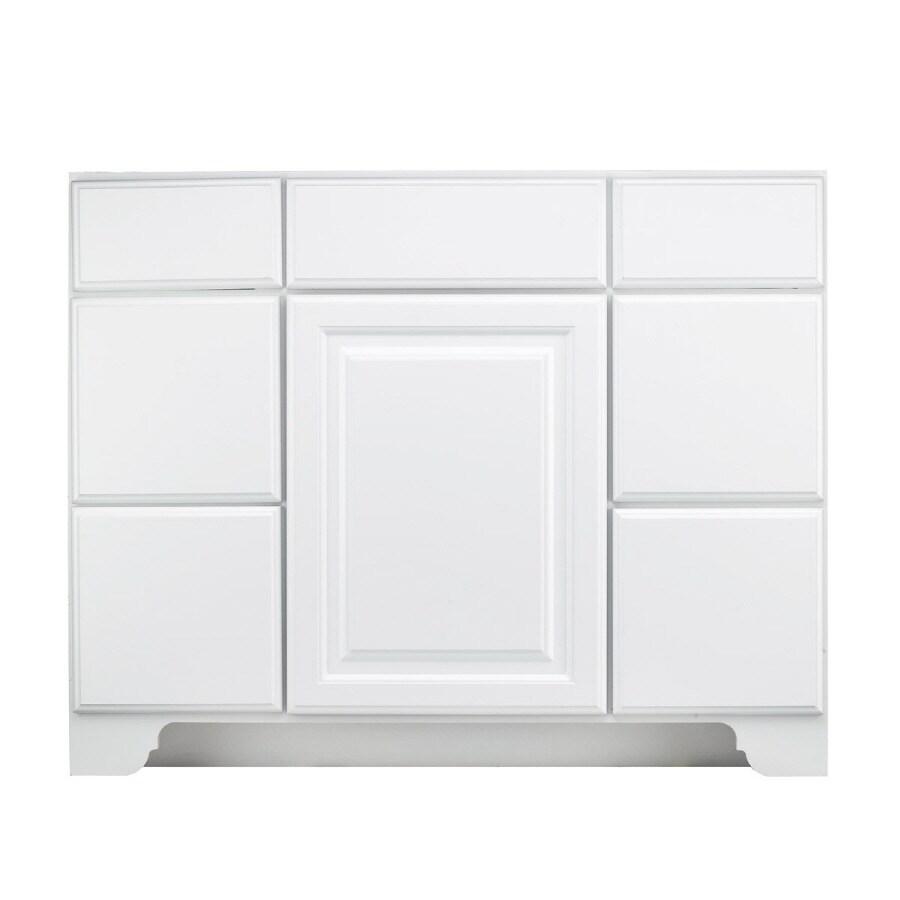 KraftMaid White 42-in Traditional Bathroom Vanity