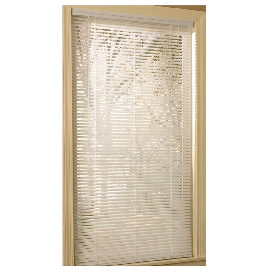 Project Source 1-in White Vinyl Light Filtering Mini-Blinds (Common 59-in; Actual: 58.5-in x 64-in)