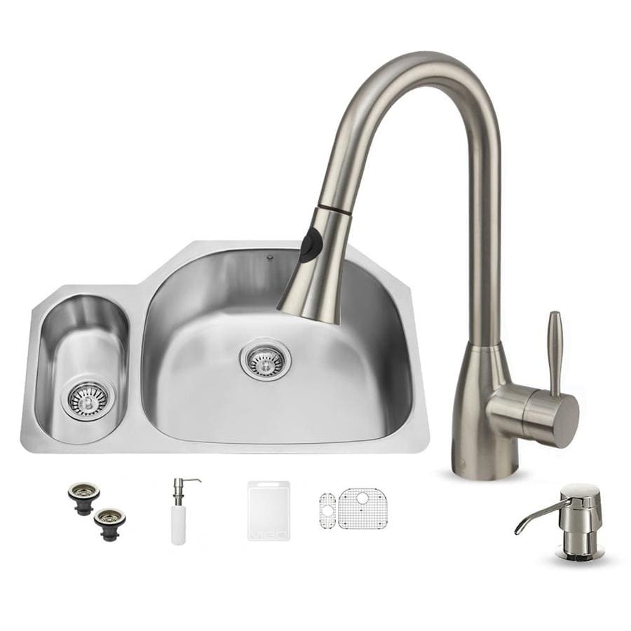 VIGO 32-in x 20.75-in Stainless Steel Double-Basin Undermount 1-Hole Commercial/Residential Kitchen Sink All-In-One Kit