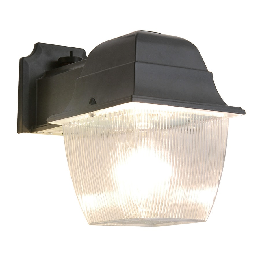 Utilitech 1-Head 70-Watt Black Metal Halide Dusk-to-Dawn Flood Light