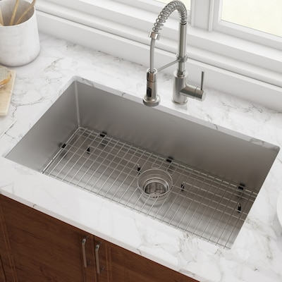 Standart PRO 26-in x 18-in Stainless Steel Single-Basin Undermount  Commercial/Residential Kitchen Sink