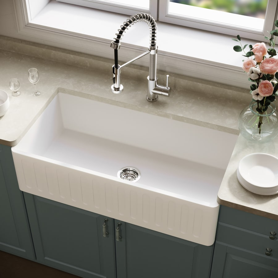VIGO 36.0-in x 18.0-in Matte White Single-Basin Composite Apron Front/Farmhouse Commercial/Residential Kitchen Sink