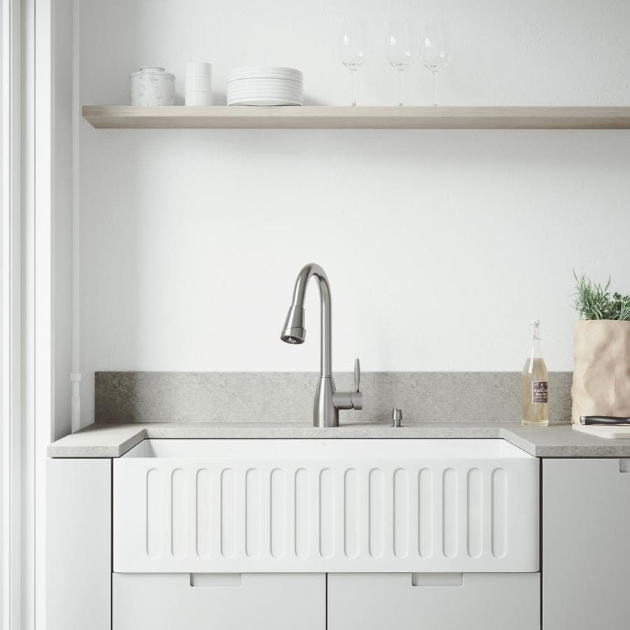Vigo Camden Farmhouse Single Bowl Kitchen Sink: VIGO Kitchen Collection Platinum 36-in X 18-in White