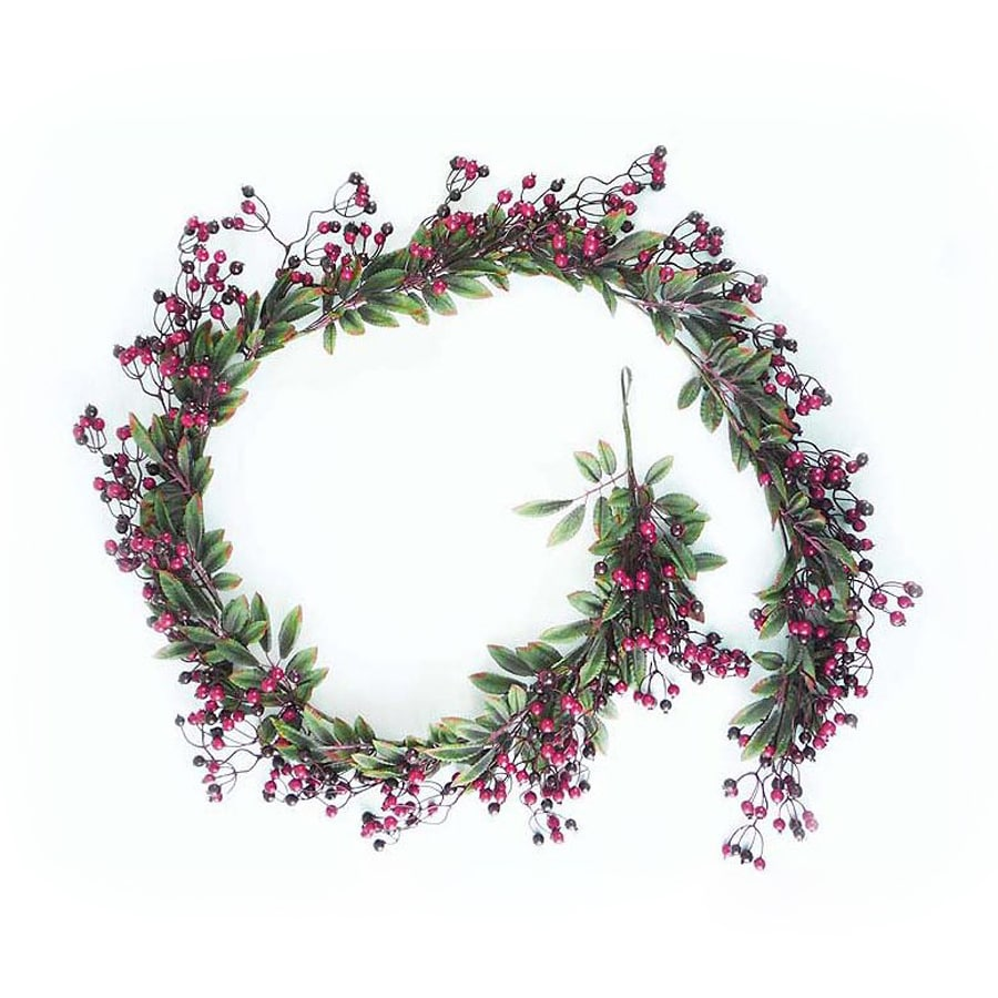 Northlight DAK Indoor/Outdoor 6-ft L Berry and Holly Garland