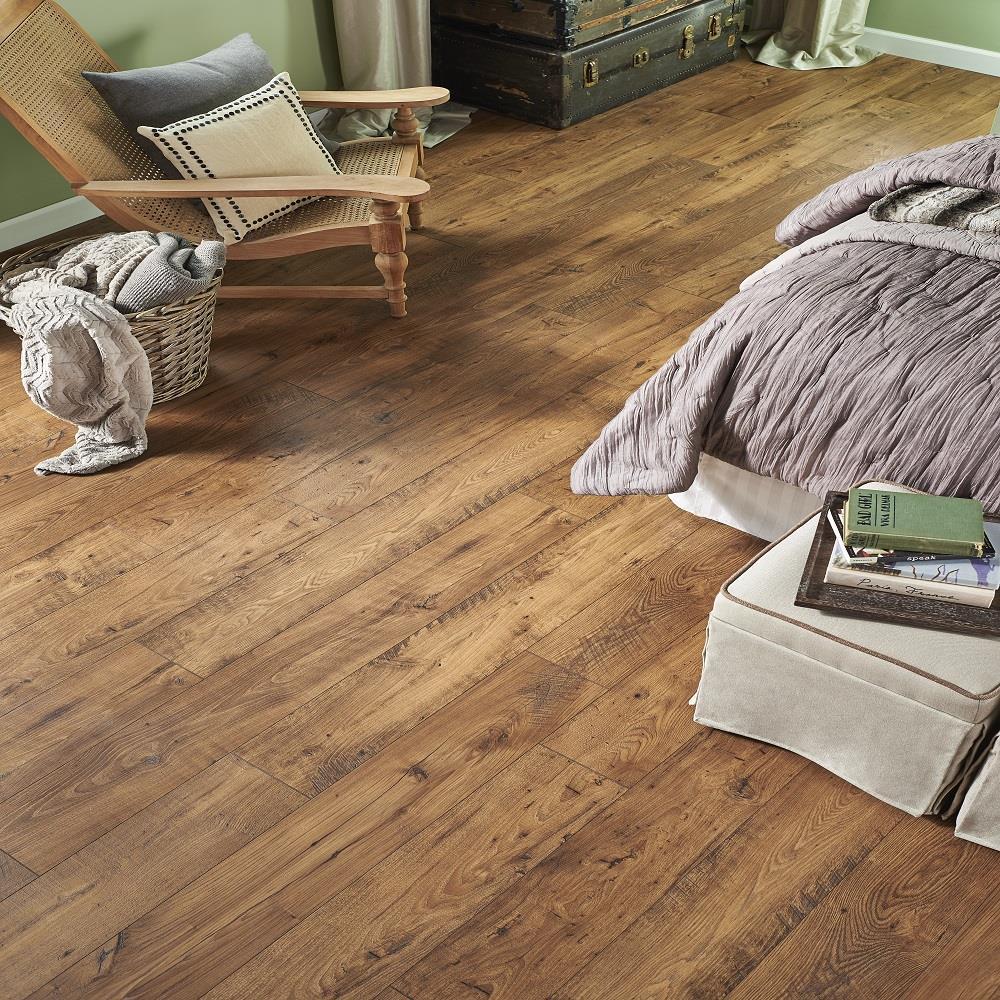 Wetprotect Waterproof Rustic Amber, Pergo Amber Chestnut Laminate Flooring